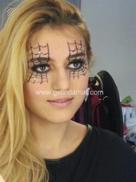 Kulis Makyaj Akademi & Hakan Berber Stylıng Studıo-Örümcek ağı göz makyajı