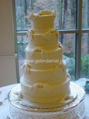 4 katlı beyaz düğün pastası1