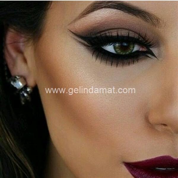 Ebru Şahin Akademi  -  Göz Makyaj Detayı