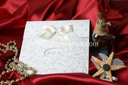 beyaz davetiye