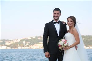 Berk Oktay Ve Merve Şarapçıoğlu Evlendi