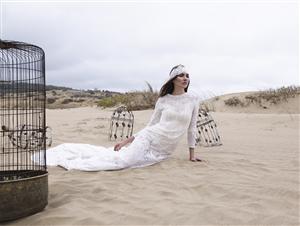 2015 Evlilik Dünyası Fuarı'nda Özlem Kaya İmzalı Cesur Gelinlikler...