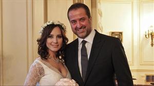 Nazlı Çelik İle Beşiktaş'ın Eski Başkanı Serdar Bilgili Sevgililer Günü'nde Evlendi!