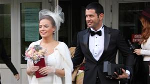 Şarkıcı Keremcem Ve Oyuncu Seda Güven Geçtiğimiz Gün Paris'te Evlendi.
