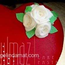 Kalpli düğün pastası