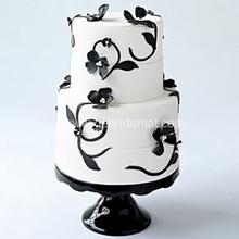 siyah beyaz sarmaşık motifli pasta