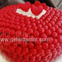 kırmızı düğün pastası