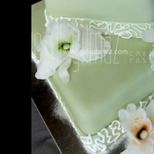orkideli düğün pastası